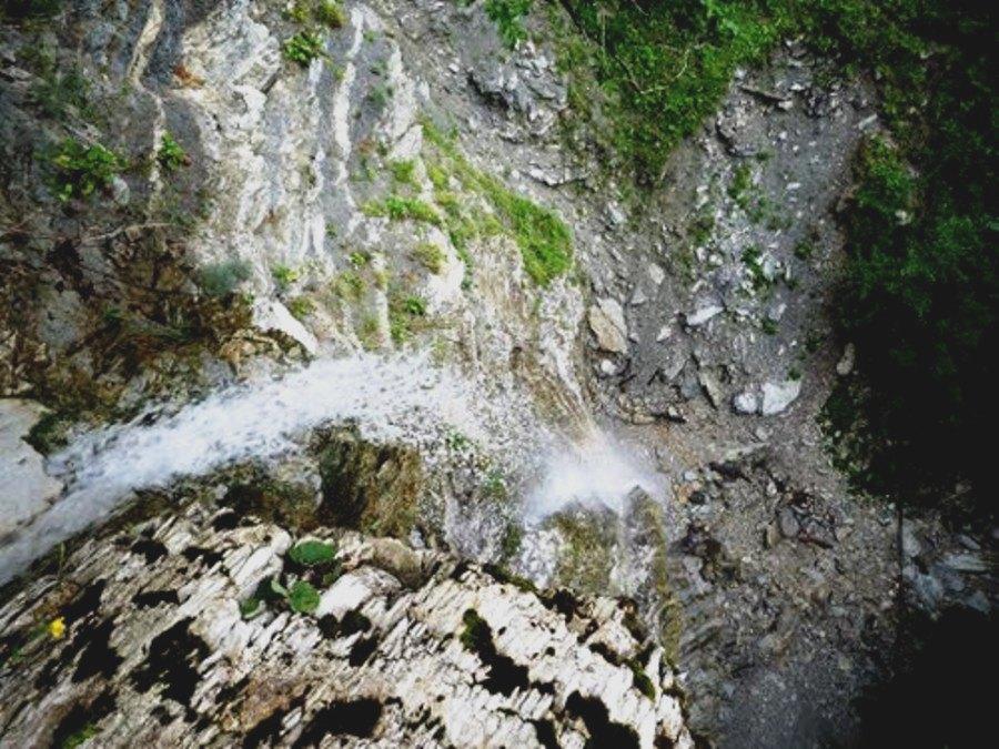 33 метровый водопад или